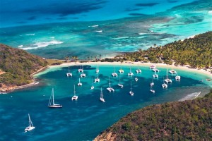 mayreau1 300x200 Kitesurfing Spots of the Grenadines in the Caribbean