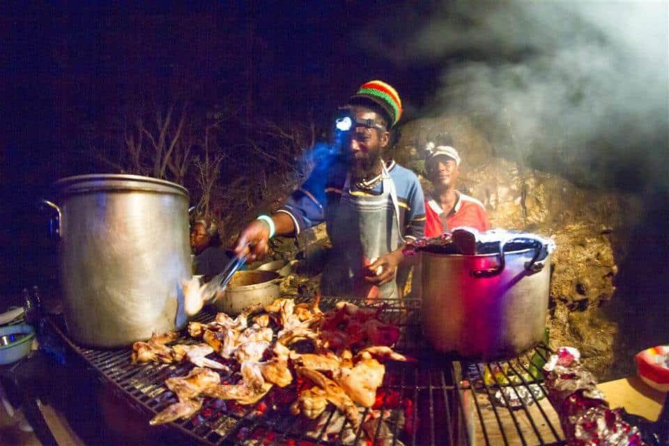 Restraunt Night Dunk Island: Restaurants And Night Life On Union Island